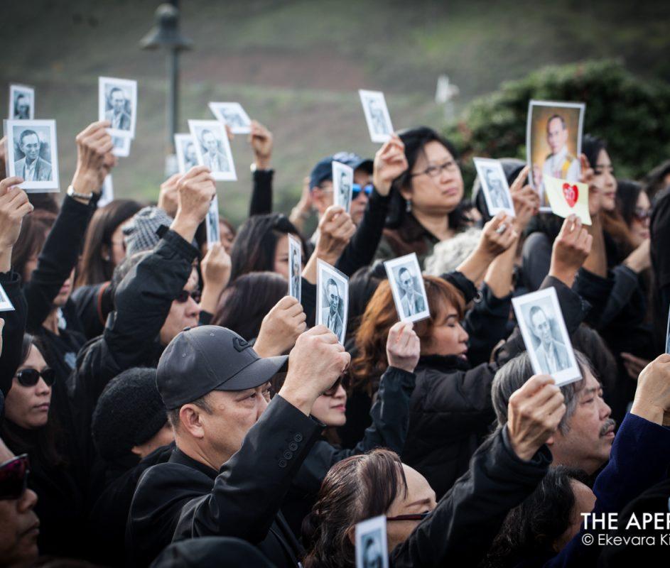 More than a thousand Thais walk across Golden Gate Bridge to honor Thailand's late King Bhumibol Adulyadej